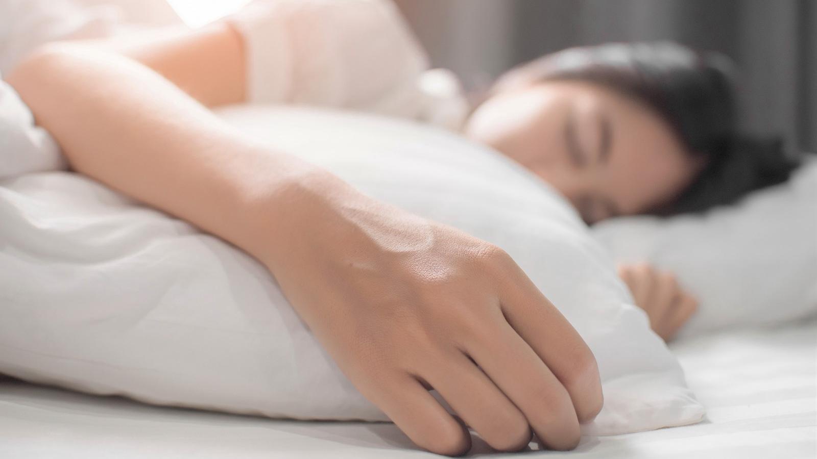 8 étel, amely megzavarja a nyugodt alvást